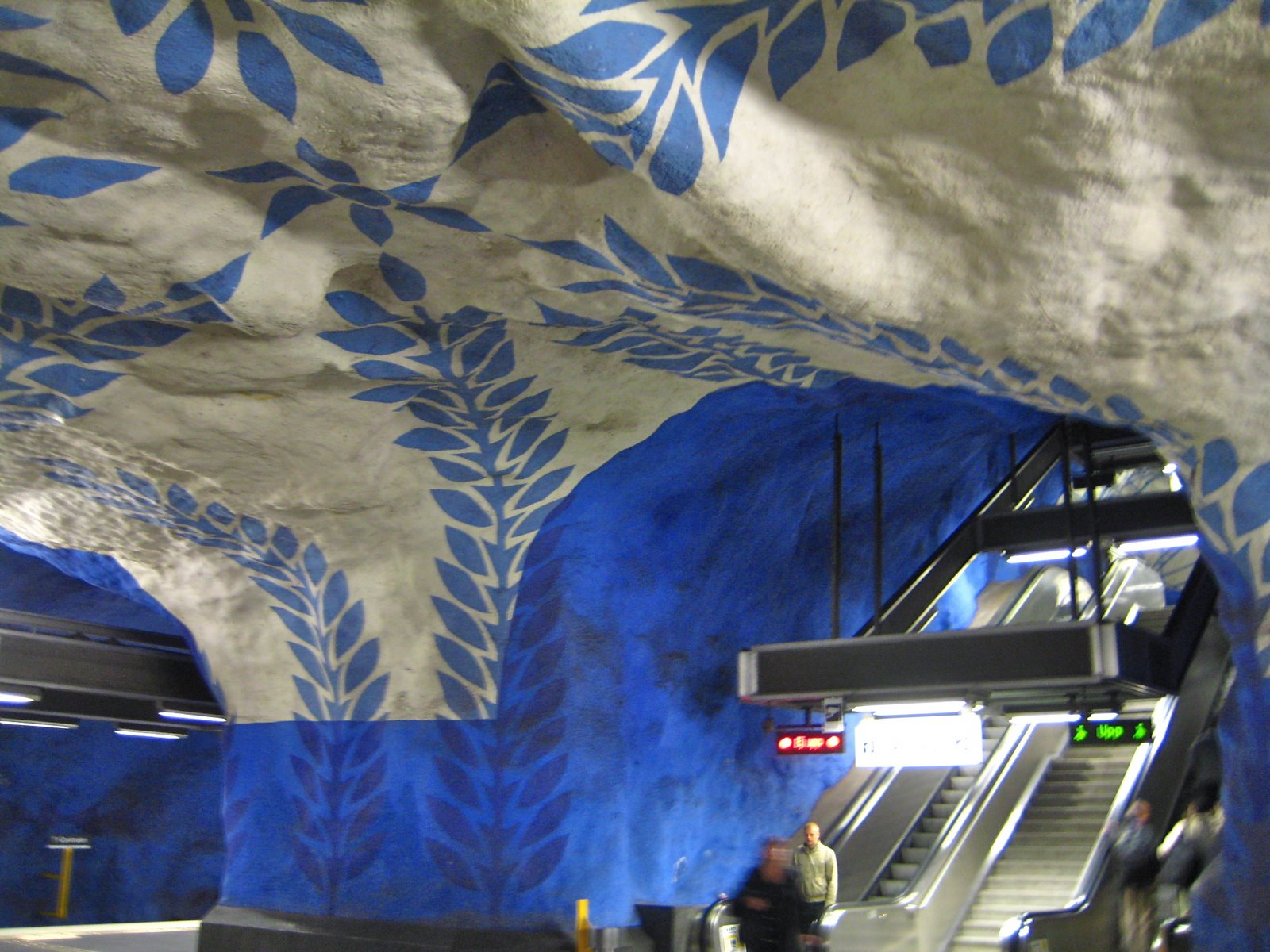 Stockholm blue line station under T-Centralen